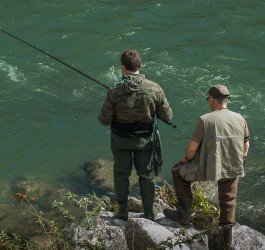 Factors to Consider When Choosing the Right Fish Finder Gadget